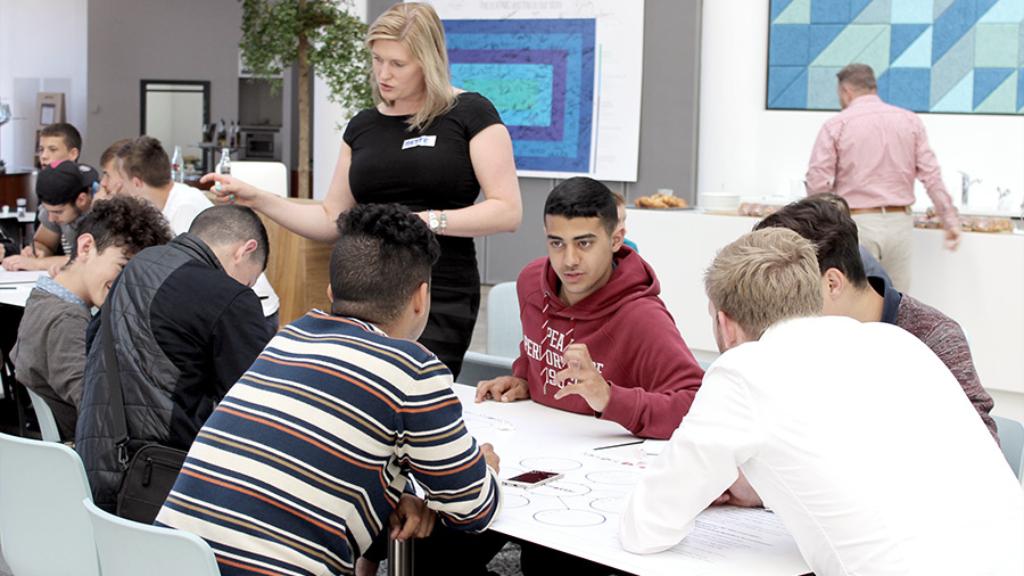 VIDEO: Unge iværksættere til udviklingscamp hos KPMG