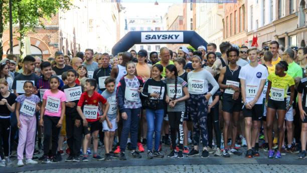 Nørrebroløbet samler hundredevis til fejring af fællesskab og mangfoldighed