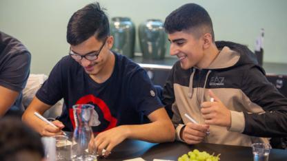 Frivillige hjælper udsatte unge ind på karrieresporet