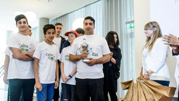 Hussein driver webshop med ure og bruger erfaringer fra iværksætterforløb